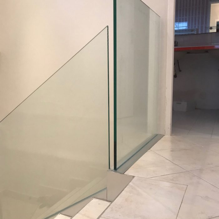 garde-corps-transparent-securisation-escalier-giraudo-ferronnerie-2